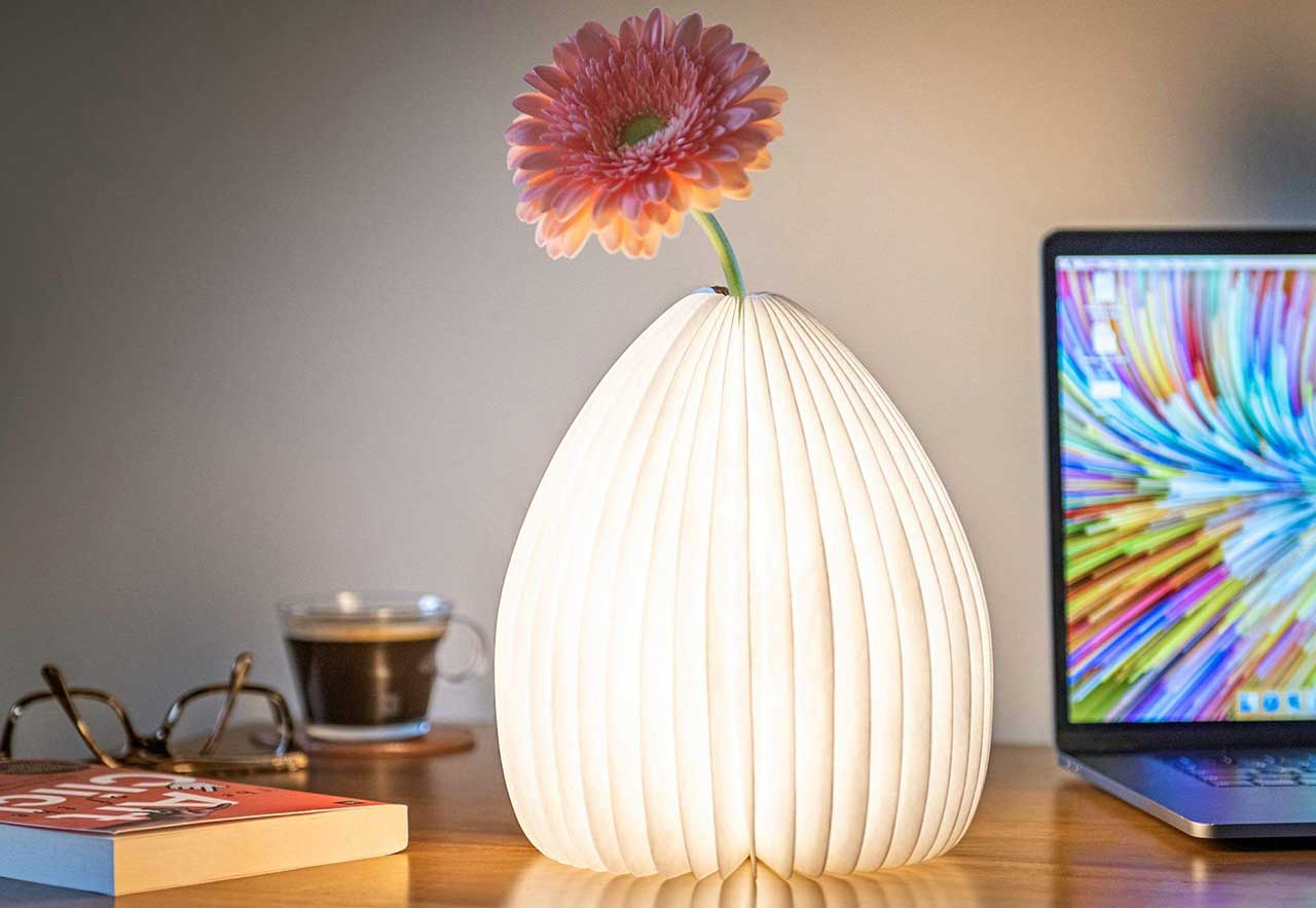 Gingko's Smart Vase Light Beautifully Offers Double Duty