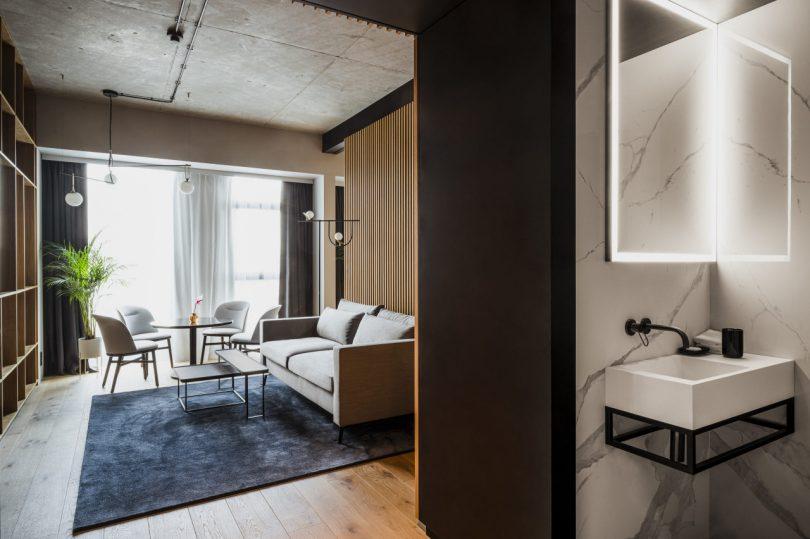 Nobu Hotel Warsaw bathroom and living space