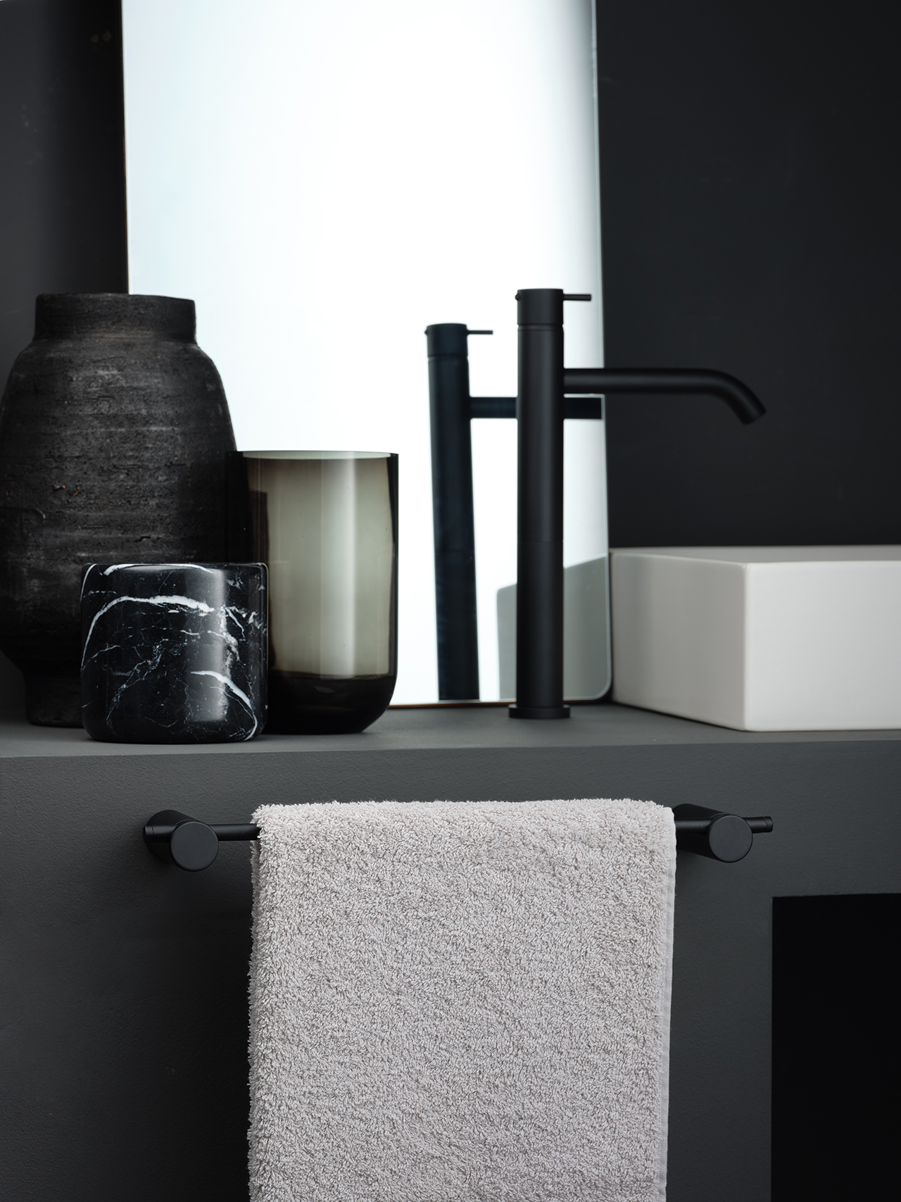 modern bath faucet and sink accessories