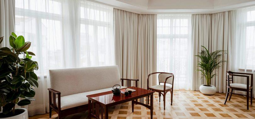 Art Deco Suite seating