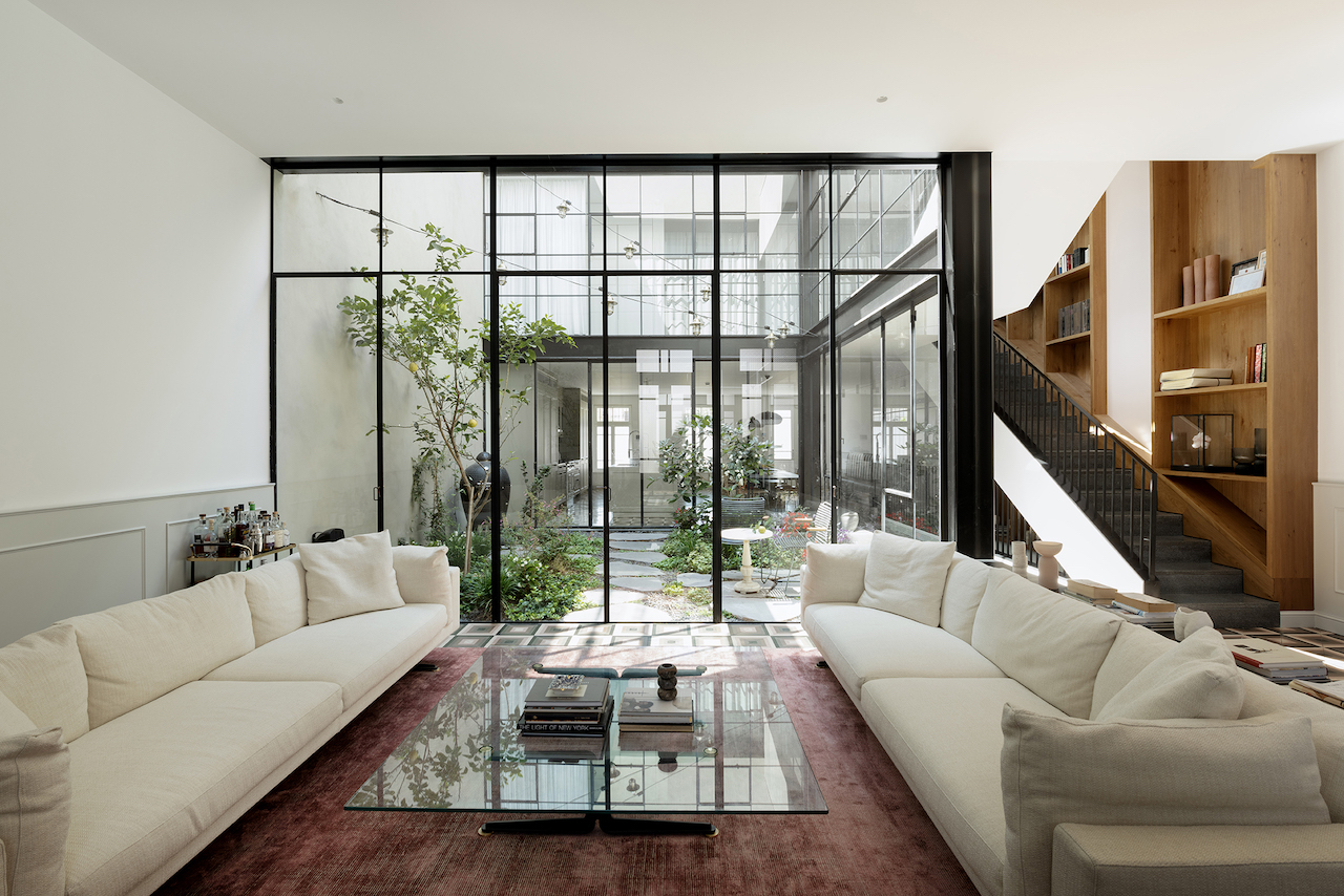 A Massive Update + Preservation Breathes New Life Into a Neglected Townhouse