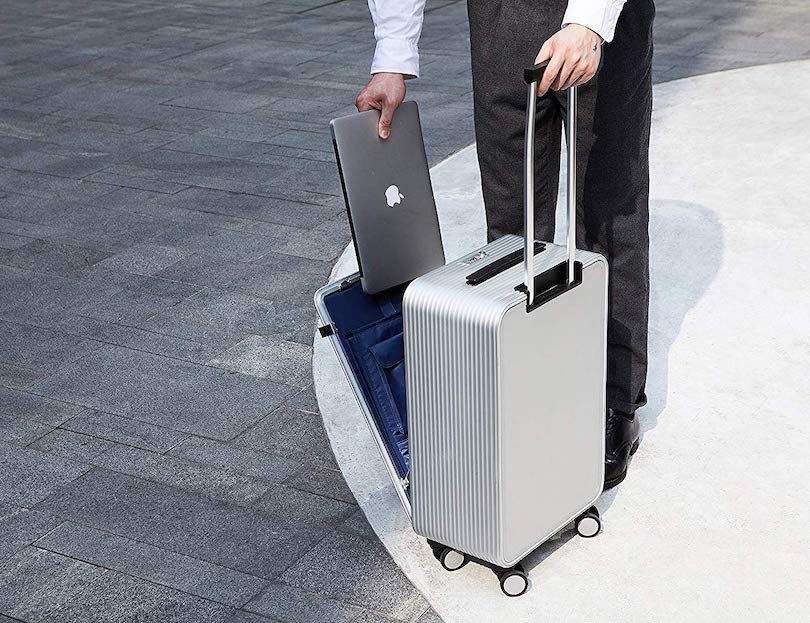 Jumping Back Into Travel With Minimalist + Comfortable Accessories