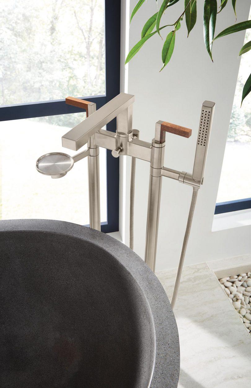 metal floor mount bathtub faucet