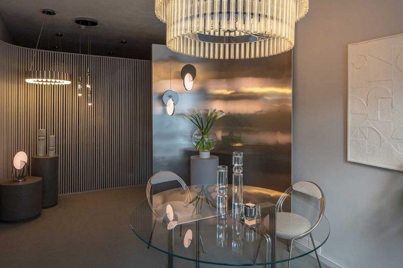view of showroom resembling modern london apartment
