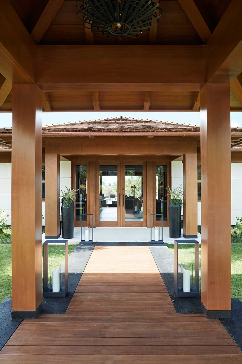 covered entryway to modern house