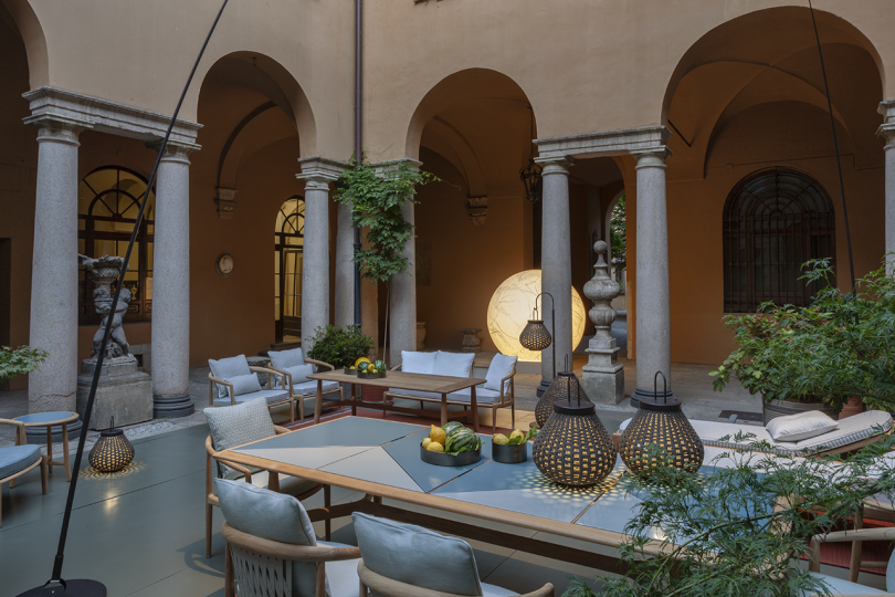 interior courtyard with outdoor furniture