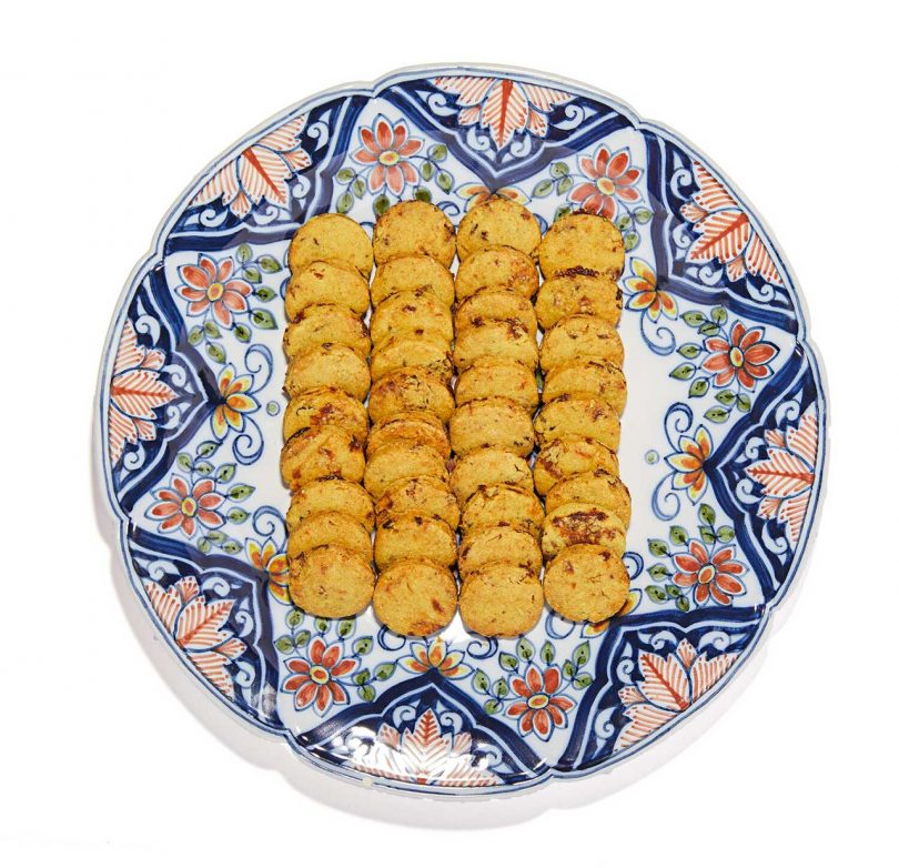 traditional plate with three rows of cookies