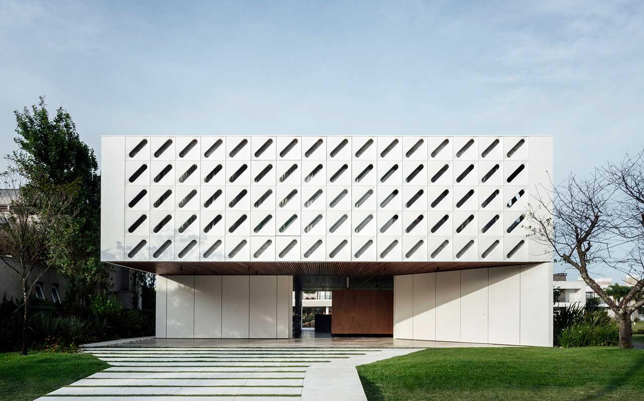 A Modern, Brazilian Beach House With an Interactive Facade