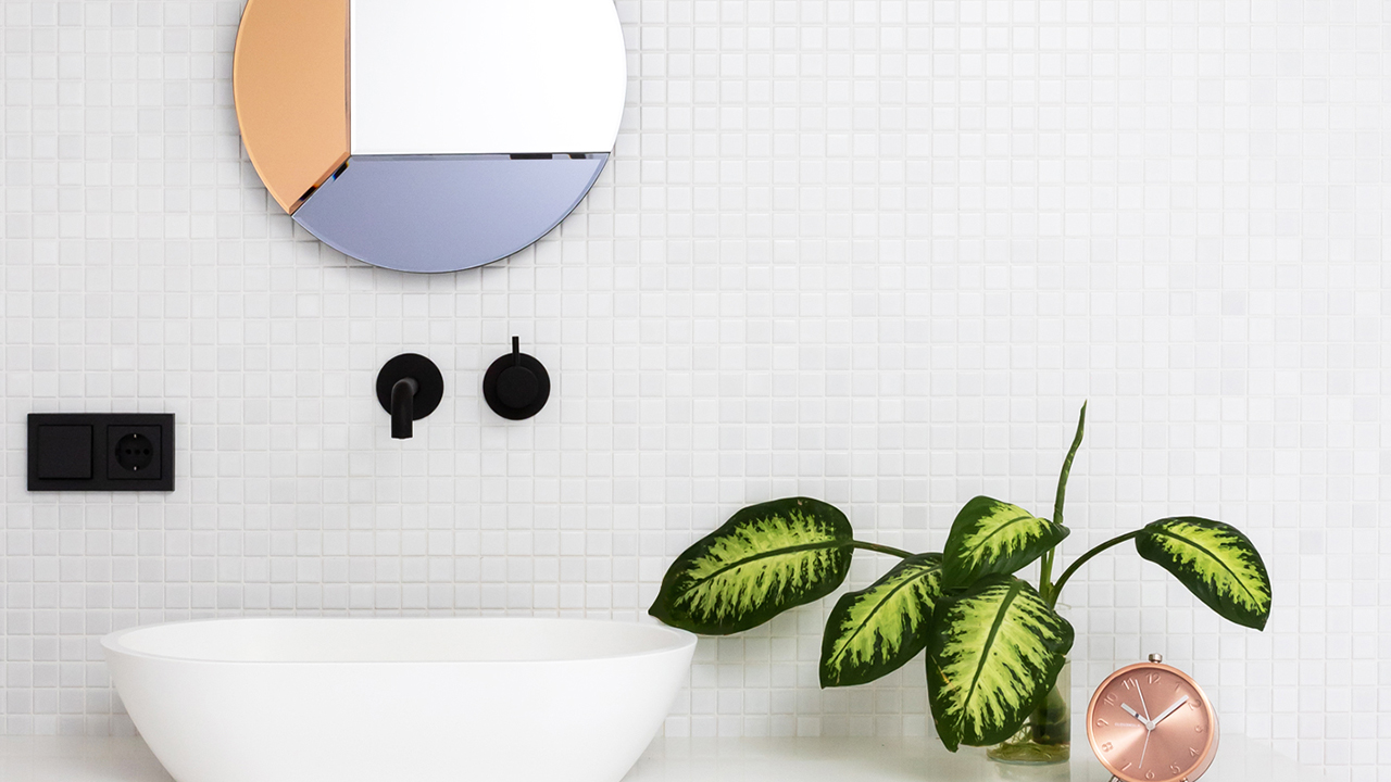 10 Simple + Easy Ways to Instantly Refresh Your Bathroom
