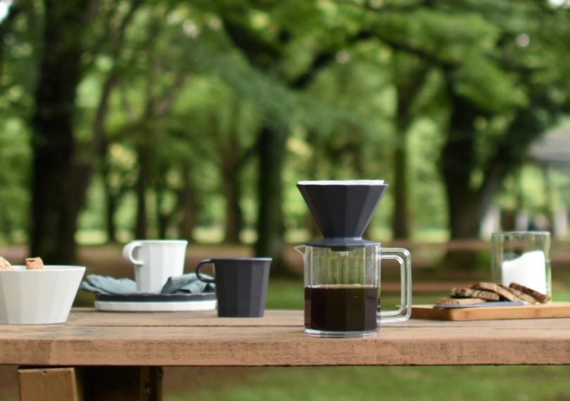 Kinto Alfresco Brewer Set on a table outdoors