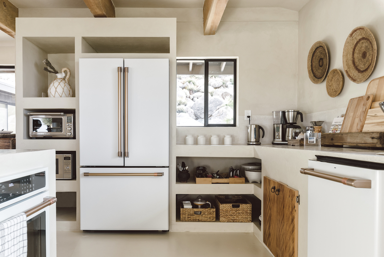 desert vacation house kitchen