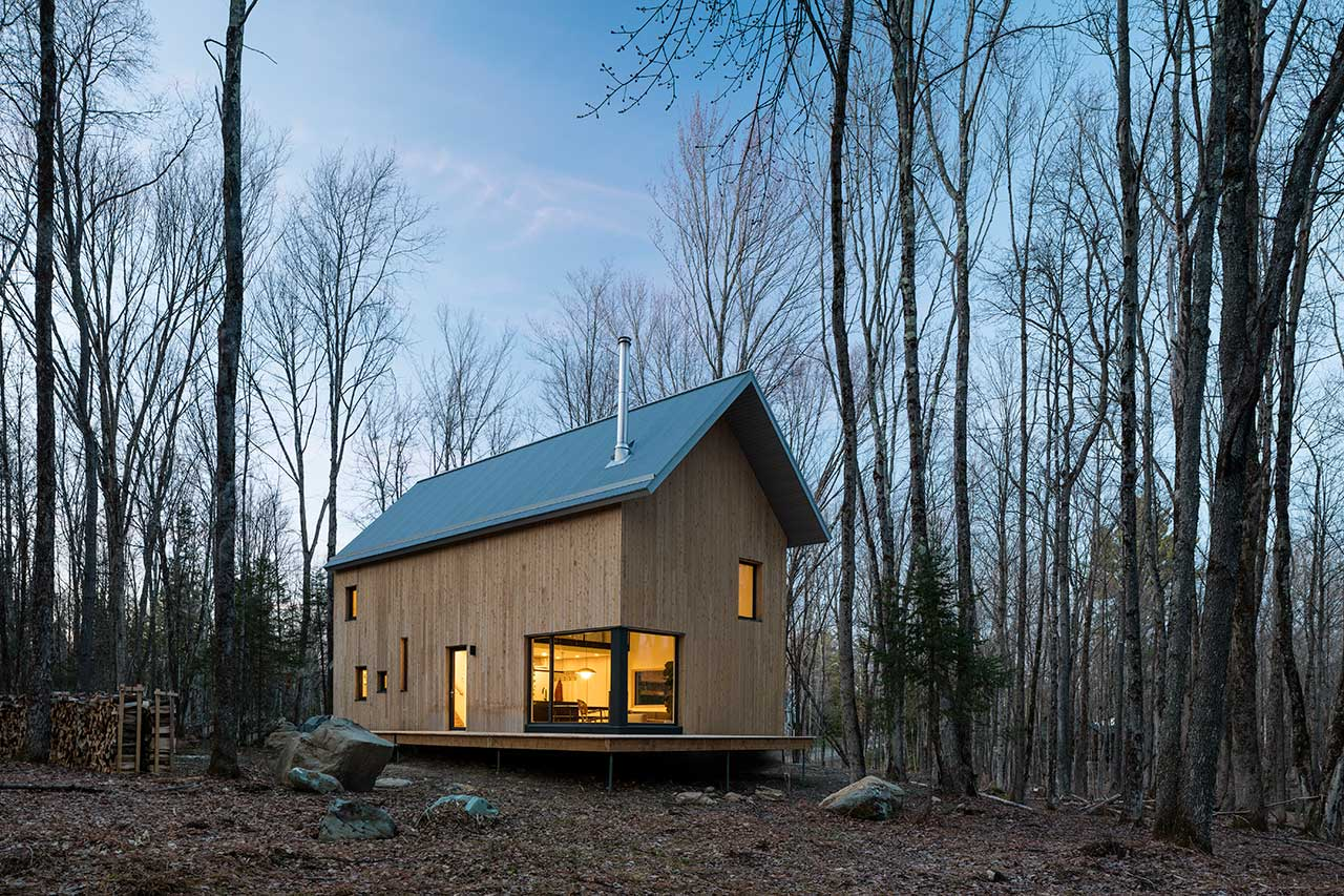 A Modern Cabin in the Woods With a Compact Footprint