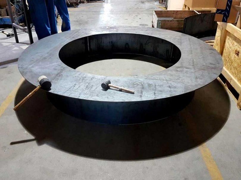metal ring bench in shop