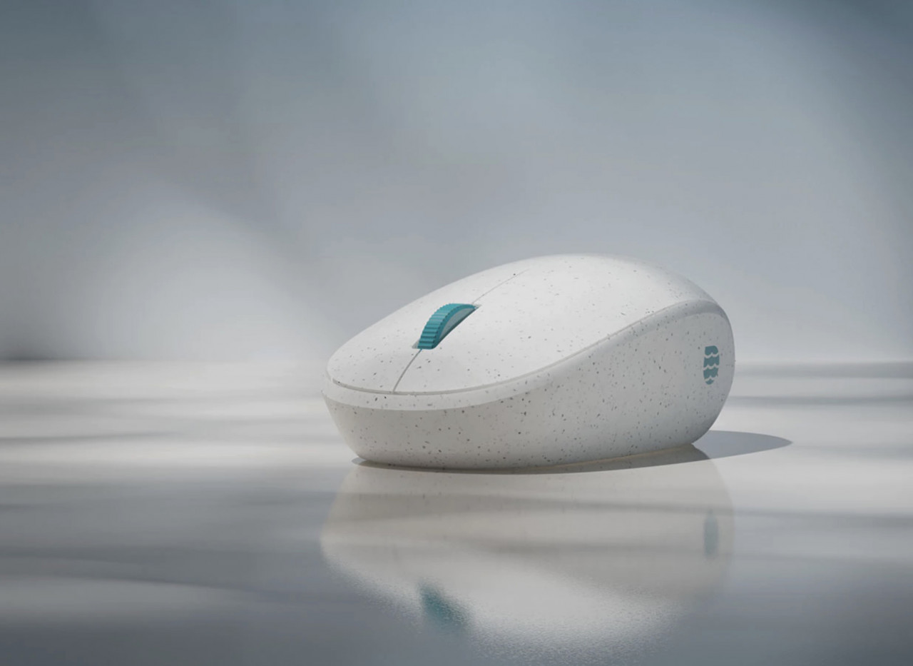 Microsoft Ocean Plastic Mouse Hopes to Turn the Tide Against Plastic Waste