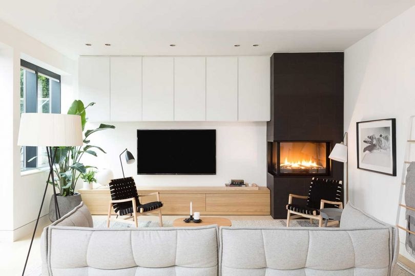 modern sitting room with black and white furnishings