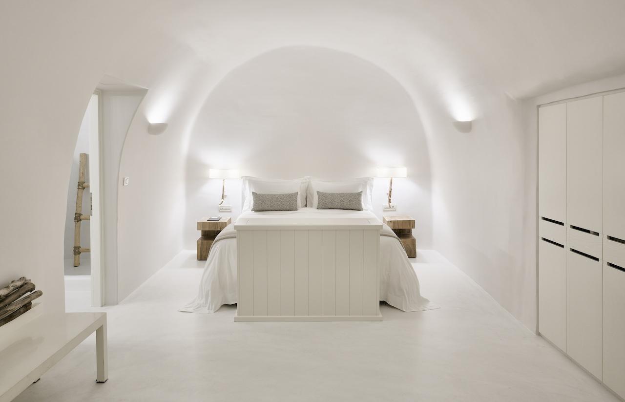 A Fashionable Retreat Lodge Overlooking the Aegean Sea