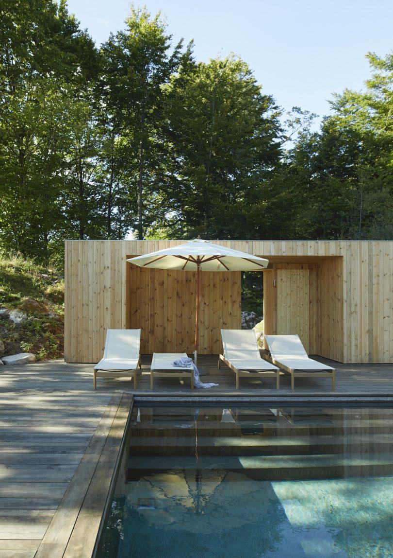 outdoor sun loungers